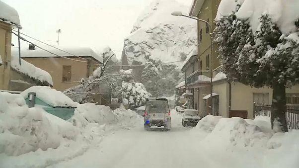 Avrupa'da aşırı soğuk ve kar alarmı