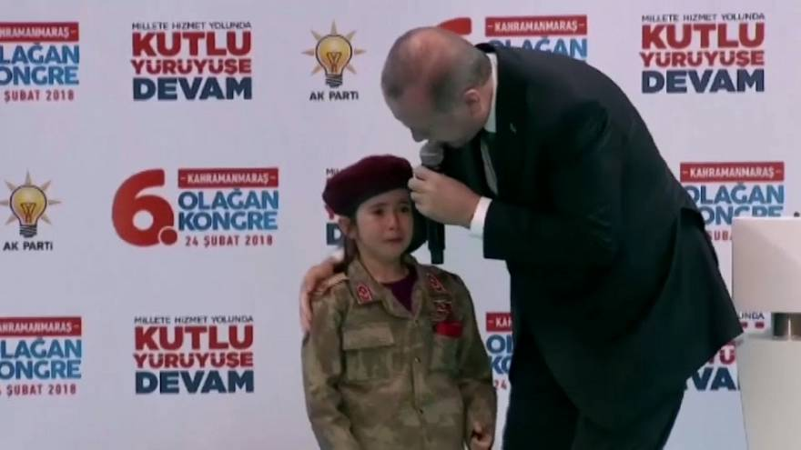 """Erdogan: """"Si muere como una mártir, la cubriremos con la bandera"""""""