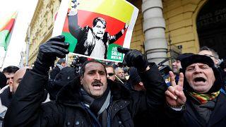 Türkei verärgert: Tschechien lässt syrischen Kurden frei
