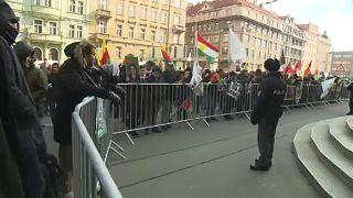 Tüntetés a prágai belügyminisztérium előtt