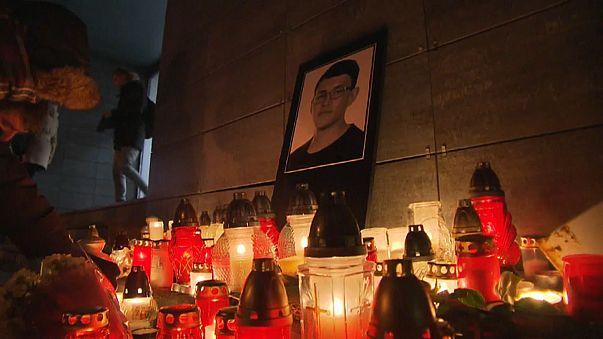 Slovak PM offers €1m cash reward in appeal over journalist's murder