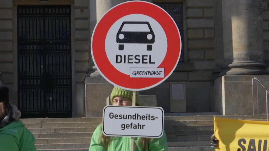 Environmentalists outside Federal Court in Leipzig