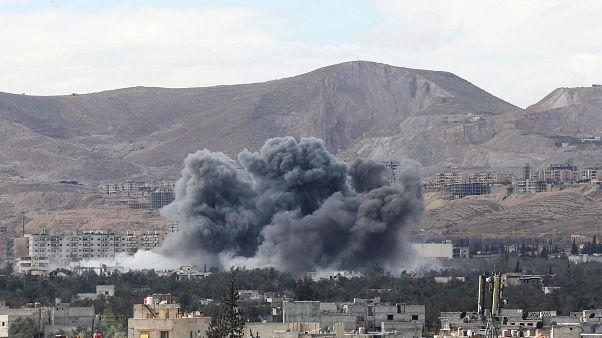 Humo de un bombardeo sobre Guta Oriental