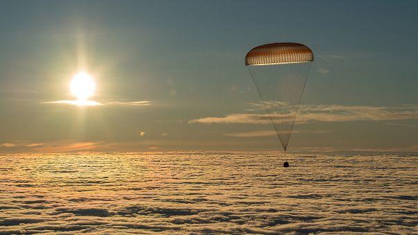 Soyuz Dünya'ya döndü