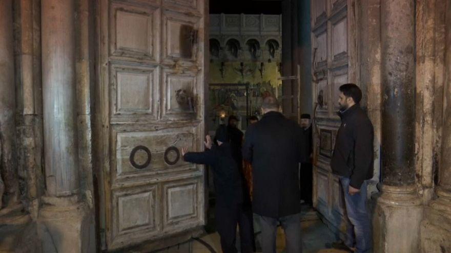 Israël cède devant les portes fermées du Saint Sépulcre