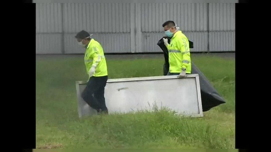 İki yolcu kaçak bindikleri uçaktan düşerek hayatını kaybetti