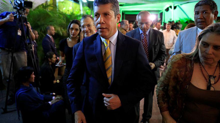 Henri Falcón después de presentar su candidatura