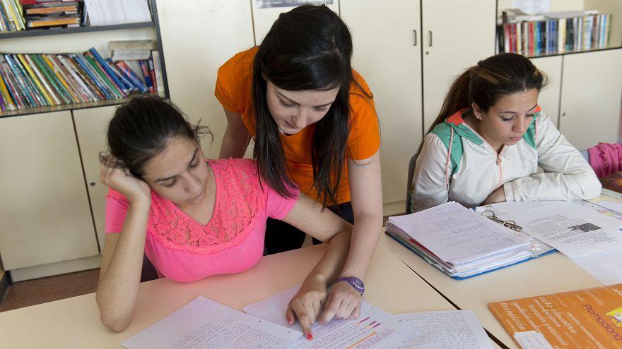 España debe mejorar la educación de la comunidad gitana, dice el Consejo de Europa