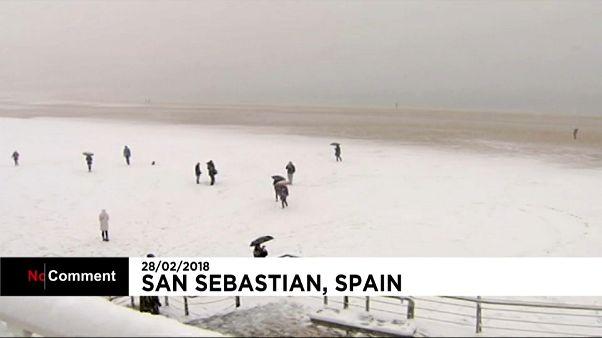 San Sebastián se tiñe de blanco