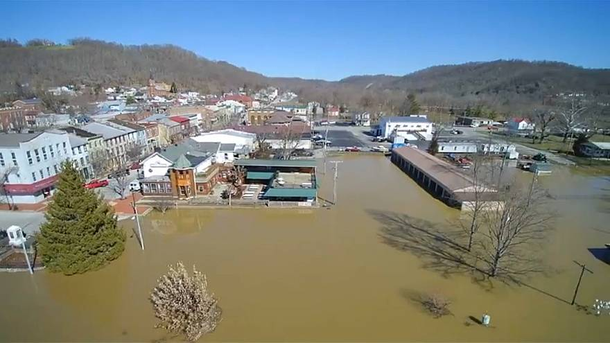 USA: Flooding damages 200-year-old town in Indiana