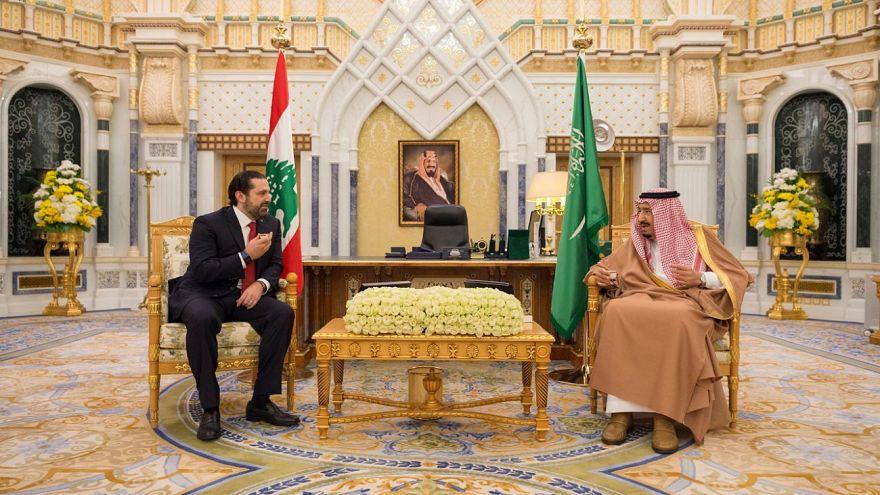 العاهل السعودي الملك سلمان  مع رئيس الوزراء اللبناني سعد الحريري بالرياض