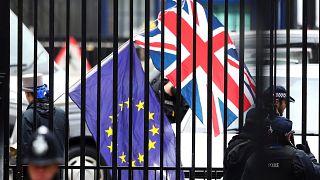 Cosa prevede la bozza di trattato sulla Brexit?