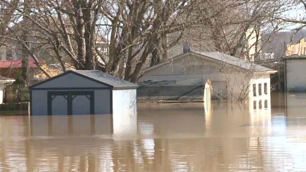 شاهد: الفيضانات تجتاح مدينة أوتيكا الأمريكية