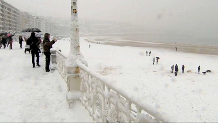 La plage de Saint-Sébastien sous la neige