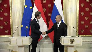Путин и Курц поговорили о газе, Гуте и Минских соглашениях