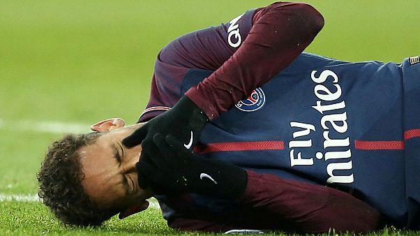 Neymar 2 ay sahalardan uzak kalacak