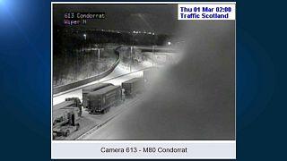 Цвет снежной тревоги в Шотландии - красный