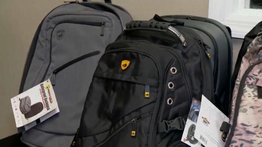حقائب مدرسية مضادة للرصاص في الولايات المتحدة الأميركية