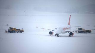 Chutes de neige : fermeture de l'aéroport de Genève