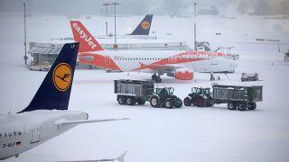 A rendkívüli hideg miatt több európai repteret lezártak