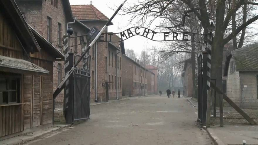 Pologne : la loi sur la Shoah en vigueur