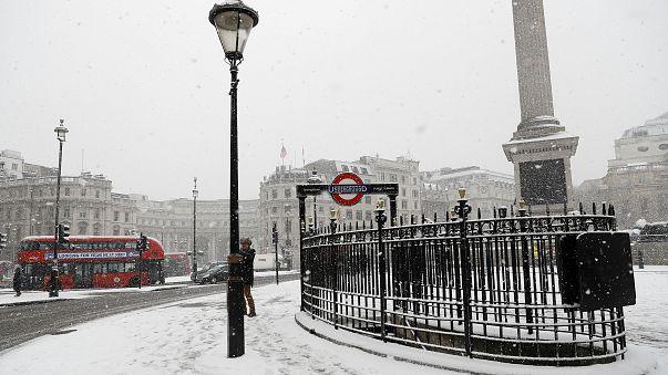 Avrupa'nın karla mücadelesi