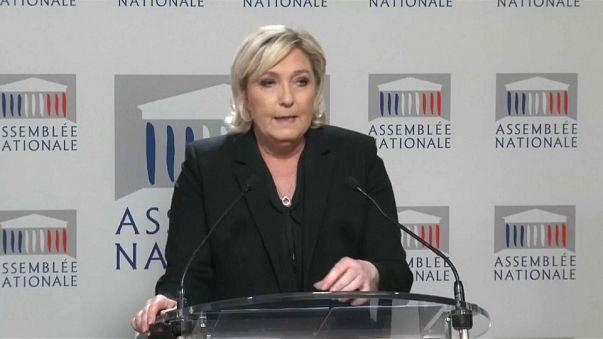 Marine Le Pen mise en examen après avoir publié des photos d'exactions djihadistes