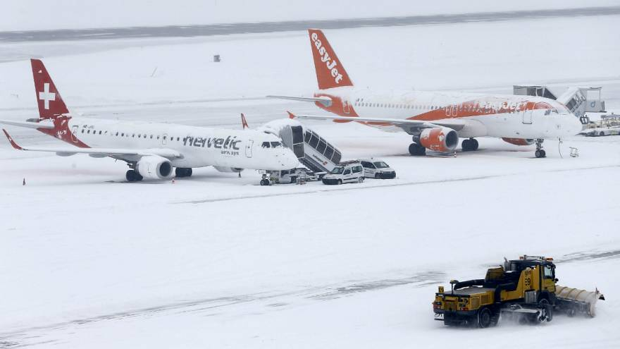Neve lança o caos na Europa