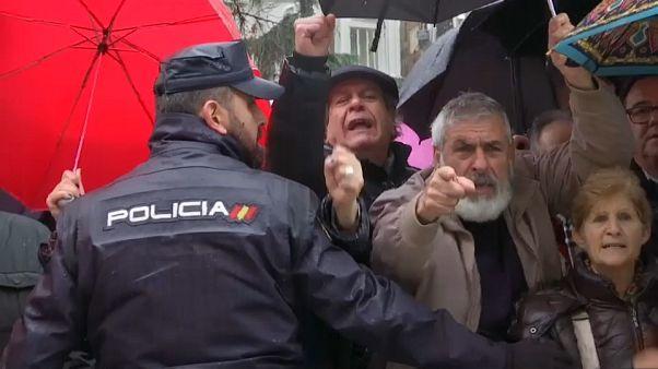 """Miles de jubilados """"indignados"""" protestan de nuevo en España"""