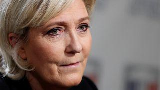Le Pen arguida na Justiça francesa por difusão de imagens violentas