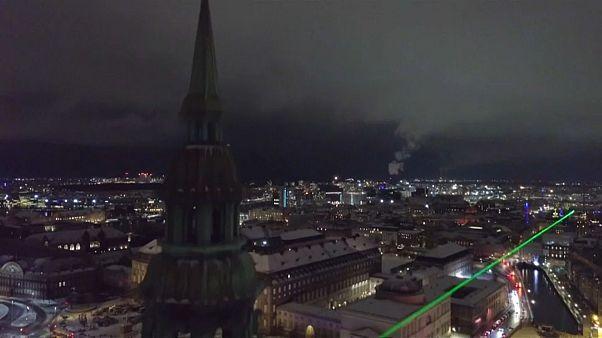 شاهد: كوبنهاغن تعيش آخر لحظات مهرجان الأضواء