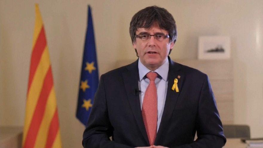 Puigdemont arroja la toalla y designa a Jordi Sànchez como sucesor