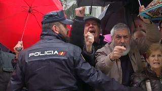 """Pensionistas espanhóis protestam por reformas """"dignas"""""""