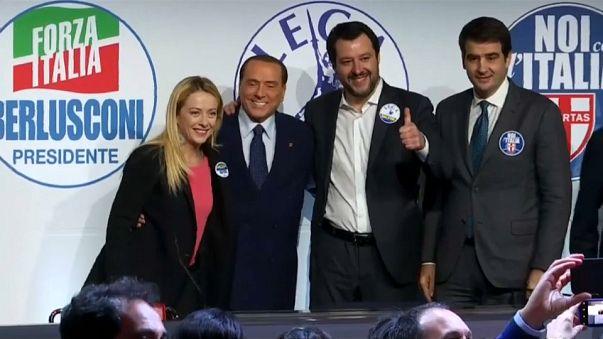 Tajani entra en escena con Berlusconi