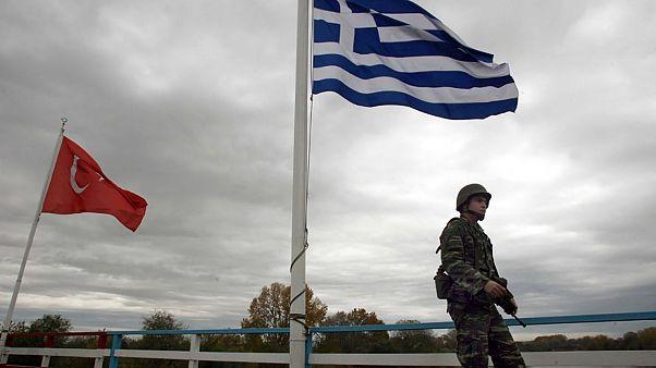 Προφυλακίστηκαν οι δύο Έλληνες στρατιωτικοί που συνελήφθησαν από Τούρκους στον Έβρο