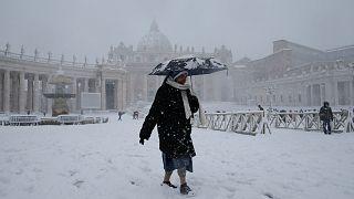 Vatikan'da rahibelere 'hizmetçi muamelesi'