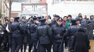 Baku: Tote bei Brand in Drogenklinik
