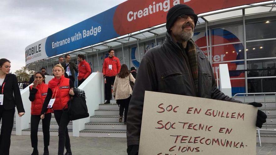 """""""Soy técnico en Telecomunicaciones sin techo ¿Me contratas?"""": Una original petición de trabajo en el MWC"""