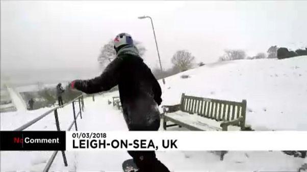 Madalyalı İngiliz olimpiyatçı ülkesinde yoğun kar yağışını değerlendirdi