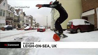 snowboarder britannique Billy Morgan dans les rues d'Essex