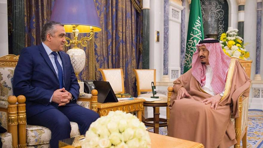 هل يمهد العاهل السعودي لعودة زين العابدين بن علي إلى قصر قرطاج؟