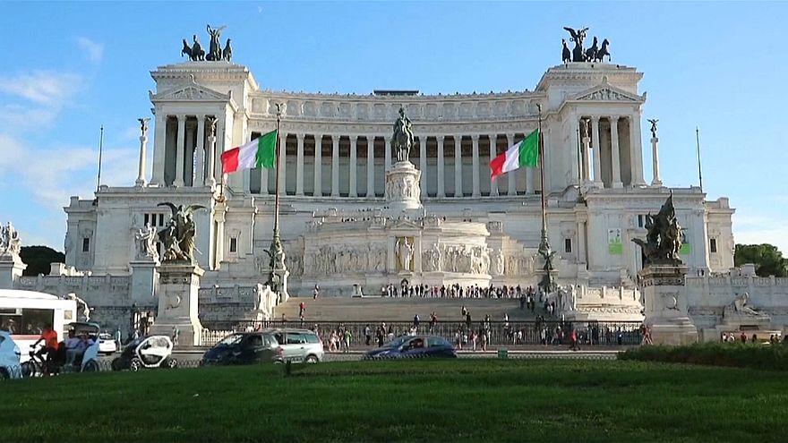 İtalya'da seçmen kararsız