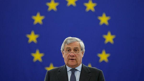 Italie : Antonio Tajani adoubé par Silvio Berlusconi