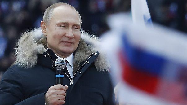 Putin'in dev seçim mitingine 100 bini aşkın vatandaş geldi