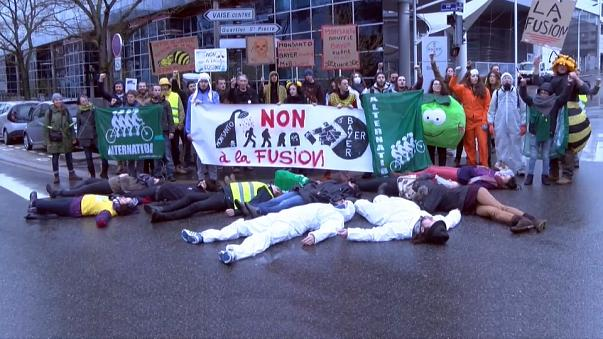Manifestação contra aquisição da Monsanto pelo grupo Bayer