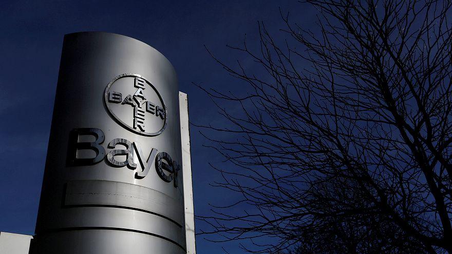 Logo Bayer sur le siège du groupe