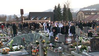 Slovacchia: funerali del giornalista ucciso, rilasciati gli italiani fermati