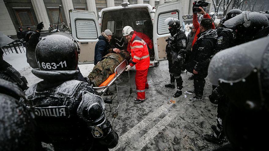 Ukraine : heurts violents entre policiers et manifestants