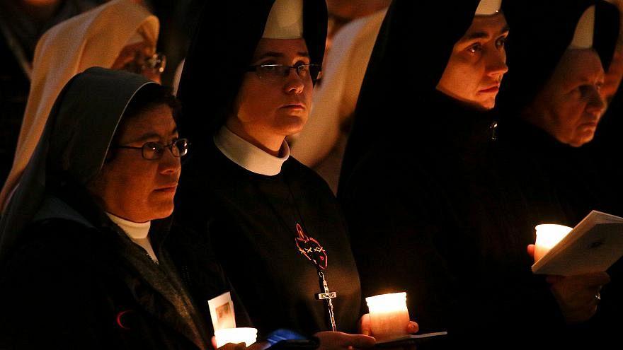 راهبات الفاتيكان يخرجن عن صمتهن ويتحدثن عن «استغلال» الكنيسة لهن