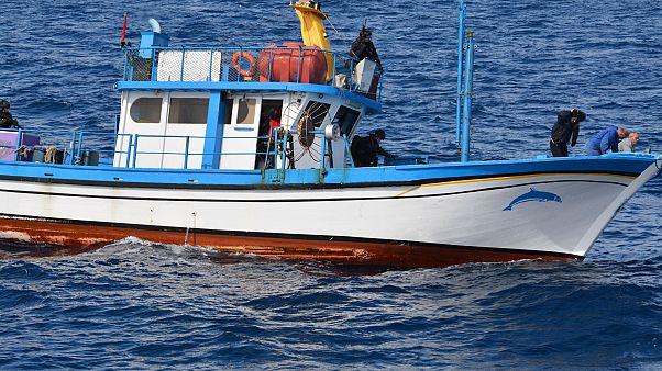 Βίντεο ντοκουμέντο: Ναρκοφορτίο μαμούθ σε αλιευτικό νότια της Κρήτης
